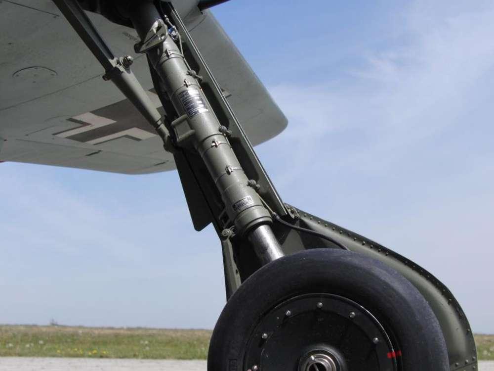 Flugzeugmodellbau FW-190 A8